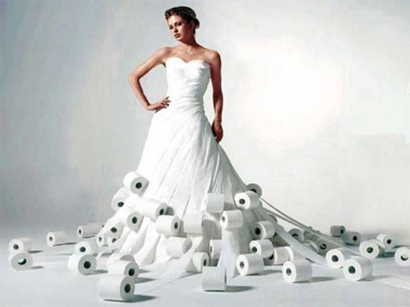 Amazing wedding dress made of toilet paper | Beanstalk Mums